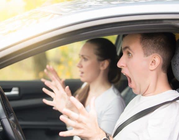 Steinschlag durch vorausfahrendes Auto - Haftung