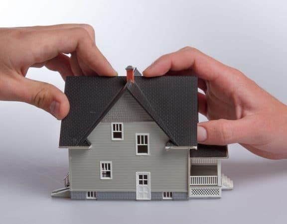 Wohngebäudeversicherung: Einsichtsrecht des Versicherungsnehmers in Sachverständigengutachten des Versicherers