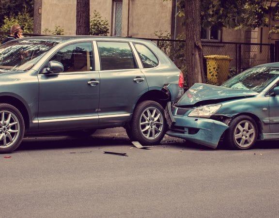 Verkehrsunfall – Auffahren auf liegengebliebenes Fahrzeu