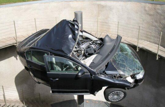 Verkehrsunfall – Anspruch auf Erstattung der Reparaturkosten in einer Fachwerkstatt