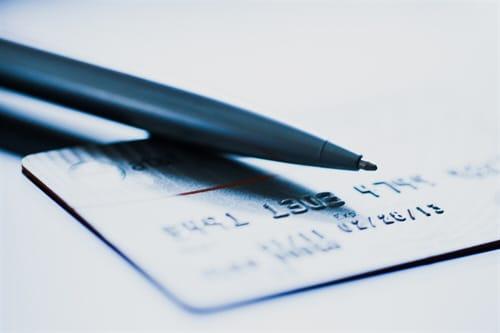 Entgeltklauseln für die Ausstellung einer Ersatzkarte in den AGB einer Bank sind unwirksam