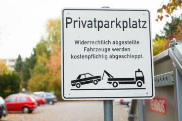 Privatparkplatz: Geltung der Vorfahrtsregeln