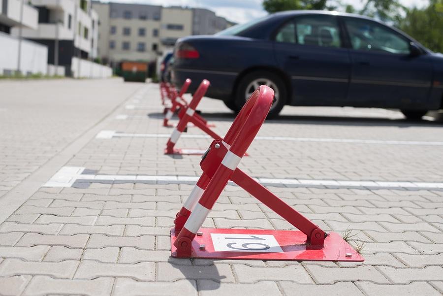 Grundstückeigentümer – Unterlassungsanspruch des Befahrens seines Grundstücks mit Fahrzeugen