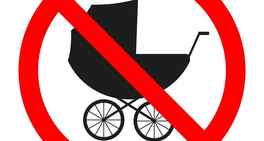 Abstellen von Kinderwagen in Treppenhaus zulässig?