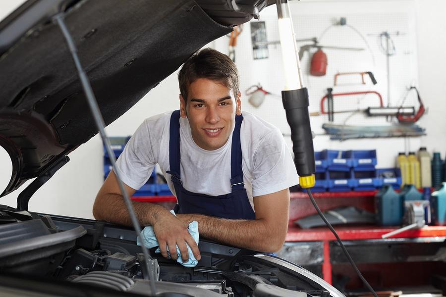 Fehlerhafte Fahrzeugreparatur in einer Kfz-Werkstatt – Haftung der Werkstatt