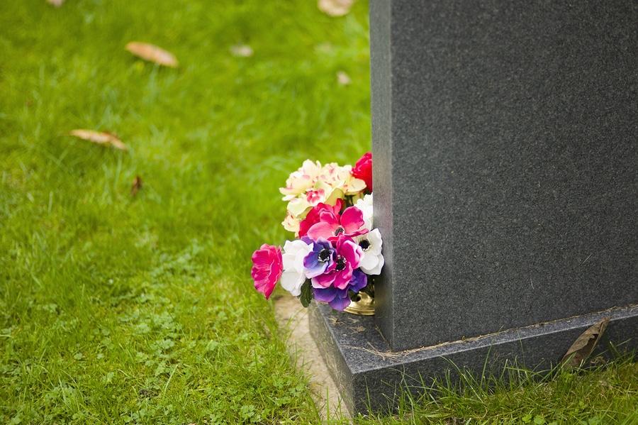 Totenfürsorgerecht: Bestimmung der Bestattungsmodalitäten eines Elternteils zu dessen Lebzeiten durch Kinder