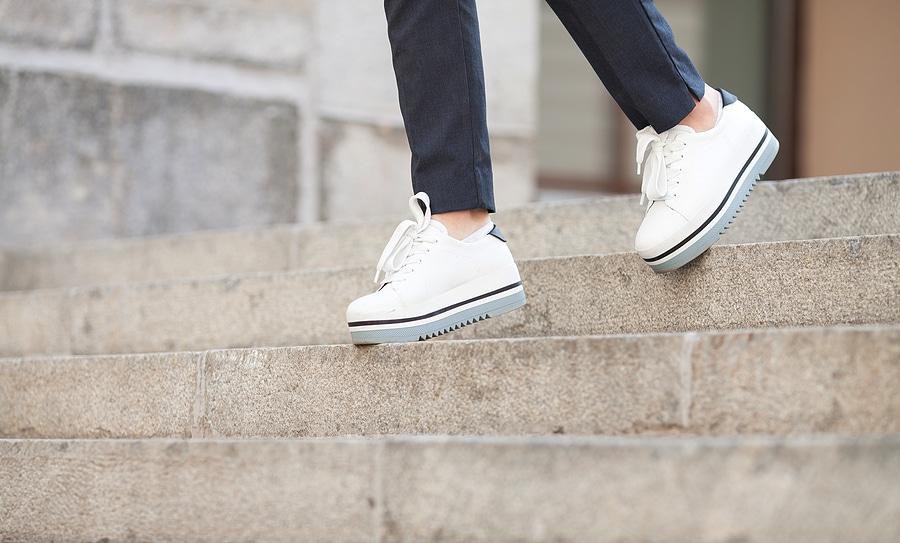 Treppensturz – Verkehrssicherungspflicht eines Ladenlokalbetreibers