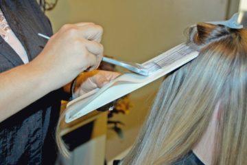 Missglückte Haarfärbung beim Friseur – Schadensersatz?