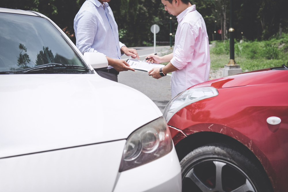 Verkehrsunfall - Wartepflicht des Geschädigten auf Restwertangebot des Versicherers?