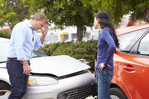 Indizien für Unfallmanipulation - Verschweigen Vorschäden