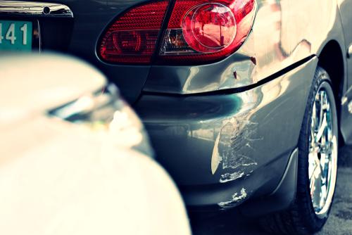 Verkehrsunfall - Mithaftung wegen unzulässigem Parken