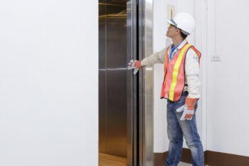Verkehrssicherungspflicht eines Betreibers einer Aufzugsanlage