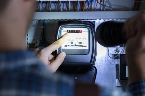 Stromverbrauchsschätzung bei Manipulation - Stromversorger darf nach § 18 StromGV schätzen?