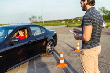 Verkehrsunfall – Nutzungsausfallentschädigung bei Beschädigung eines Fahrschulfahrzeugs