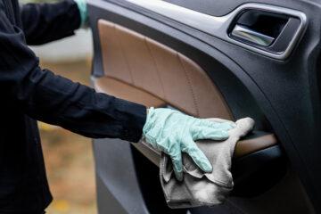 Verkehrsunfall – Erstattungsfähigkeit der Kosten für Fahrzeugreinigung
