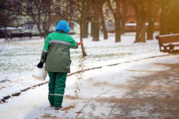 Streupflicht bei Eisglätte an Fußgängerverkehr – Anforderungen