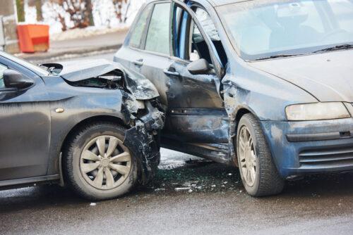 Verkehrsunfall - Anscheinsbeweis bei Zusammenstoß auf einer Straßenkreuzung