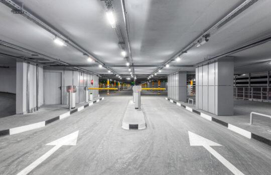 Parkplatzunfall – Alleinhaftung bei falscher Einfahrt